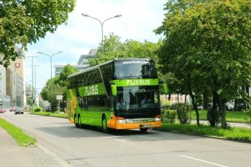 Günstige Alternative für längere Fahrten: Langstreckenbusse (Quelle: © FlixMobility GmbH)