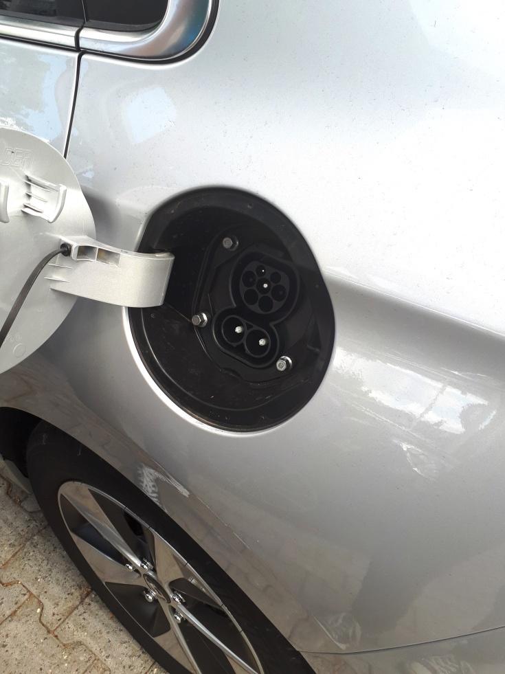 Hyundai Ioniq Elektro - Combo-Anschluss