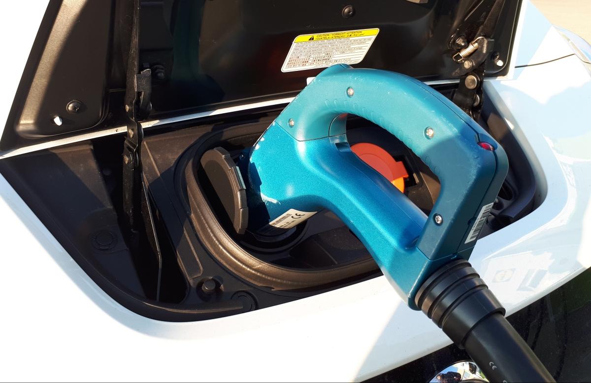 Dossier: Elektromobilität unter Beschuss